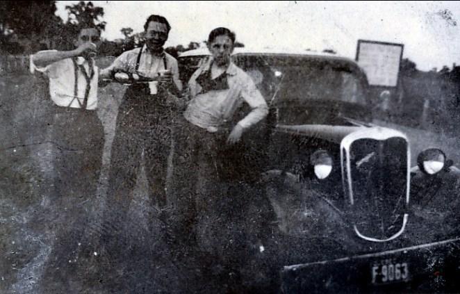 1938 approx Johnny Sofio avec... vérifier