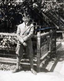 1939, automne - Maurice de Kinder commence son High School