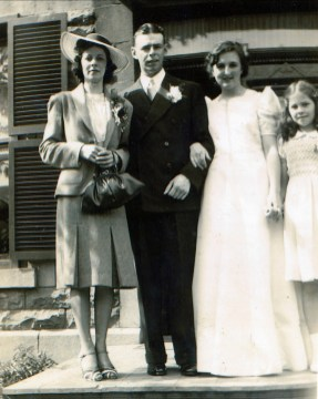 1940, 25 mai - Laurette, Albert, Henriette, Suzanne ... Mariage