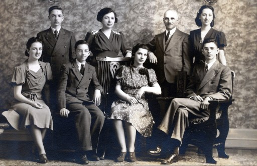 1940, Henriette, Robert, Maurice, Germaine, Gaby, François, Jeanne et Louis de Kinder