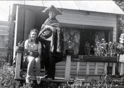 1940, Henriette et Albert - cabane des amoureux à la ferme Joly