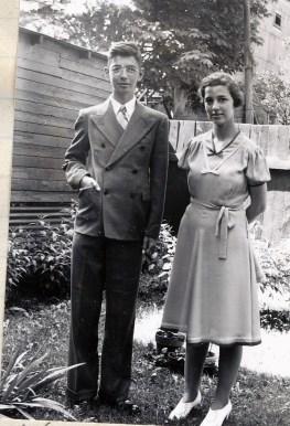 1940, Louis et Gaby de Kinder- cour rue Clark