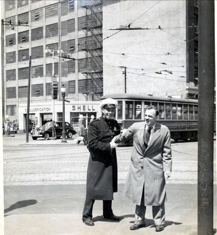 1940-approx-Albert-et-Larry-Leroux-(époux-de-Helen-Thoms)_r