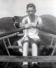 1940, lac Orford - Maurice et Louis