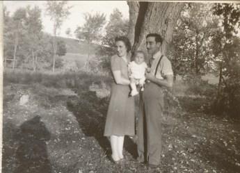 1941, Henriette et Paulette avec Jean-Paul à St-André