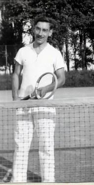 1941, Jean-Paul Naubert