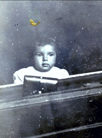 1941, Paulette au piano