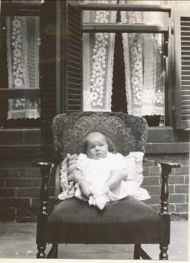 1941, Paulette