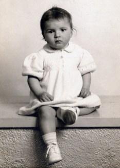 1942, 11 mars Paulette à 2 ans