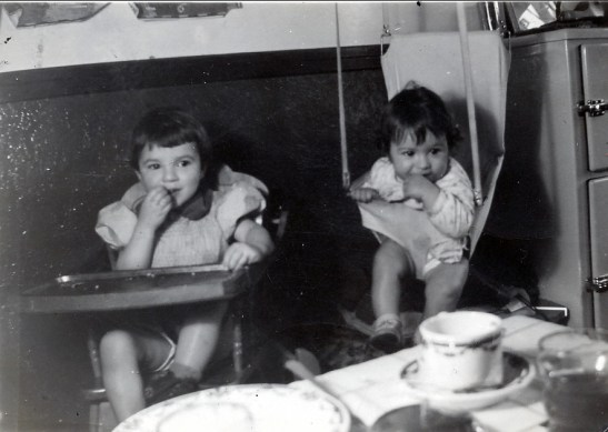 1942, Paulette et Marc - rue St-Zotique