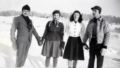 1943, Lac aux castors - François et Gaby de Kinder, Claire Hamelin et Robert de Kinder