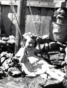 1944, Paulette cour rue des Érables