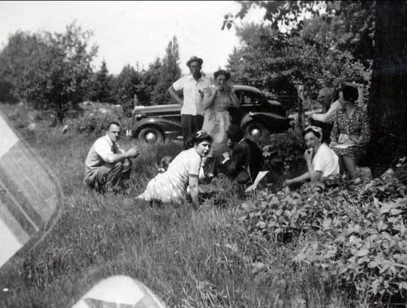 1944, St-Canut - Larry Leroux, Helen Thoms, Albert et Henriette, Jeanne, François et Germaine de Kinder