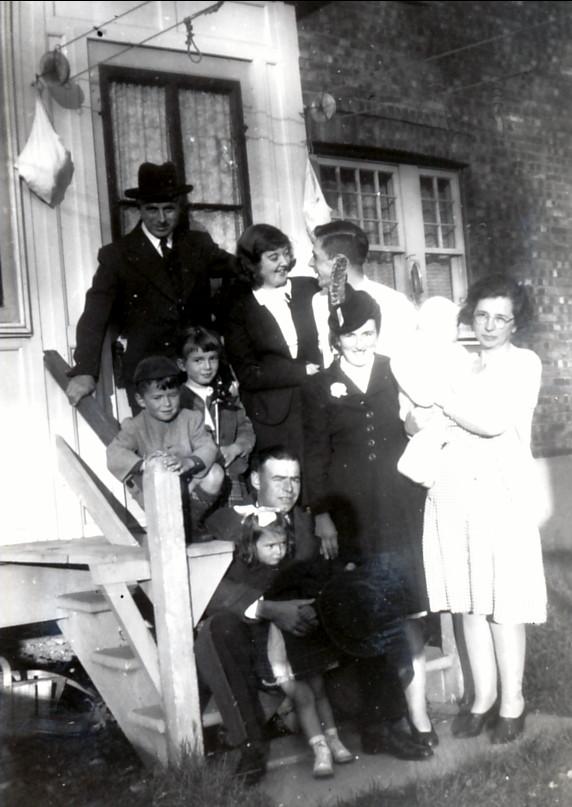 1946, famille Thivierge avec François et Germaine de Kinder , Louis et Ruth