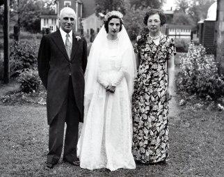 1947, François, Gaby et Germaine de Kinder