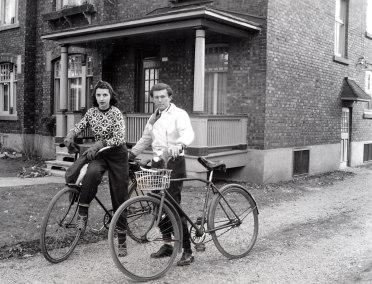 1947, approx Gaby et Gérard Bessette