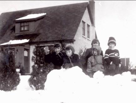 1947, approx Paulette, Nicole Bayard, Micheline, Pierre Riopelle, Marc