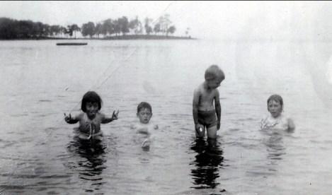 1948, Cap St-Jacques - Irène, Marc, Bobby et Paulette