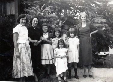 1948, Henriette Thivierge, Margie Duncan, Paulette et Irène Thivierge, Hélèna Sofio, Simone Amyot, Laurette