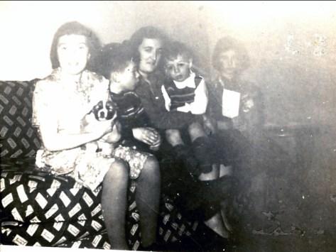 1948, Paulette, Marc, Henriette, Bobby et Irène Thivierge