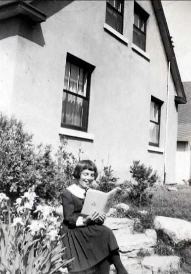 1948, Paulette av des Plaines