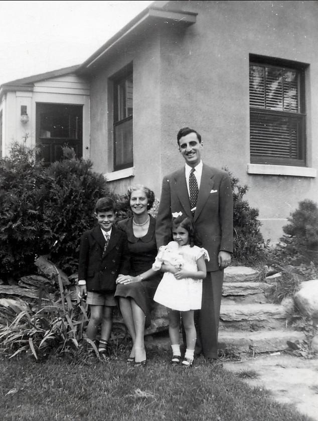 1949, Famille Sofio av des Plaines
