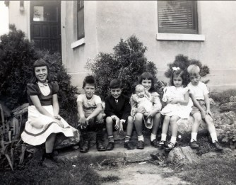 1950, Paulette, Marc, Jimmy, Irène, Lina et Bobby