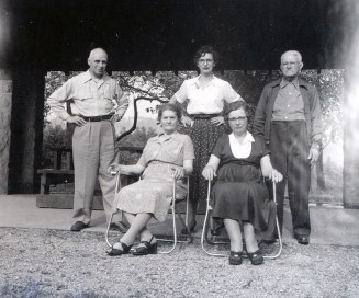 1950, approx François de Kinder, Victoria Bessette, Gaby, Germaine et Jean-Baptiste Bessette