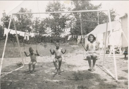 1951, Bobby, Marc et Paulette