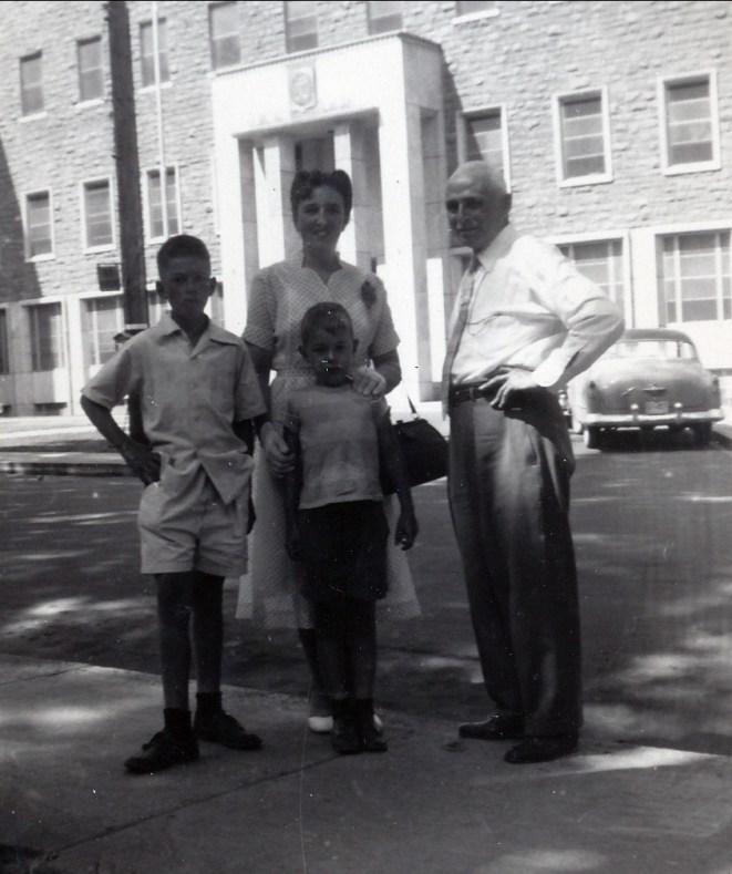 1953, Marc, Henriette, Bobby et grand papa François de Kinder