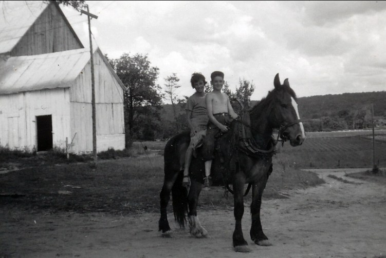 1955, St-Canut, Irène et Claude