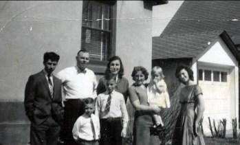 1958, Marc, Albert, Richard, Bobby, Paulette, Henriette avec Claire, Irène