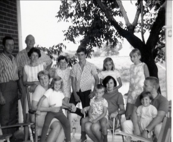 1969, St-Canut avec famille Mayer