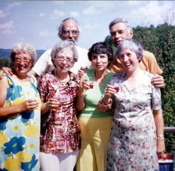 1986, Val-David - Henriette, Germaine, Maurice, Gaby, Louis et Jeanne de Kinder