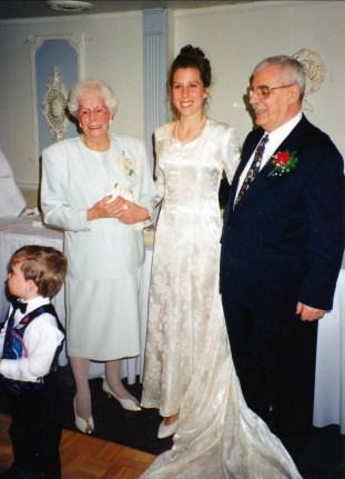 1994, 50e Sofio Laurette, Marie-Hélène et Johnny