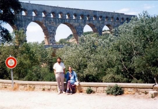 1994, Robert et Anne au pont du Gard