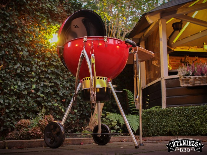 weber-master-touch-red-limited-edition-20171008-27_1600L
