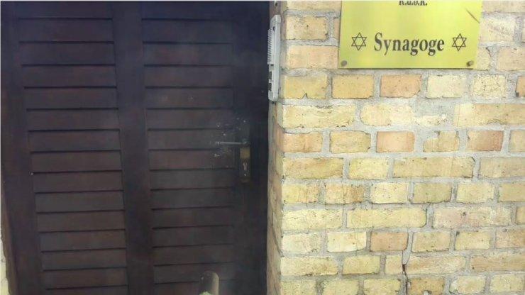 Ataque à sinagoga alemã foi transmitido por terrorista ao vivo por 35 minutos 21
