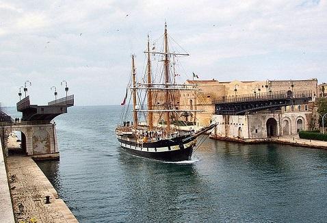 Ponte_Girevole_Taranto_palinuro