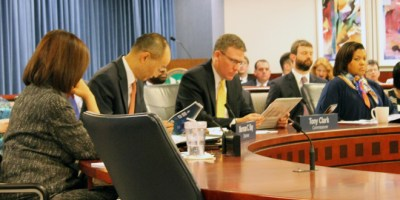 FERC-commissioners-listen-to-National-Labs-presentations-content-web