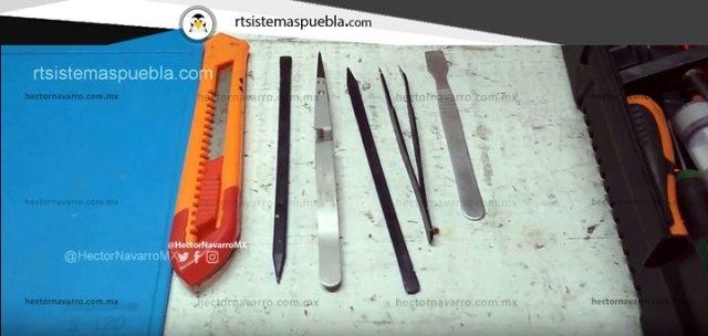 Herramientas necesarias: Cutter, espátula plástica y metálica, pinzas punta fina