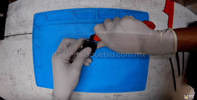 Separar el touch con una navaja