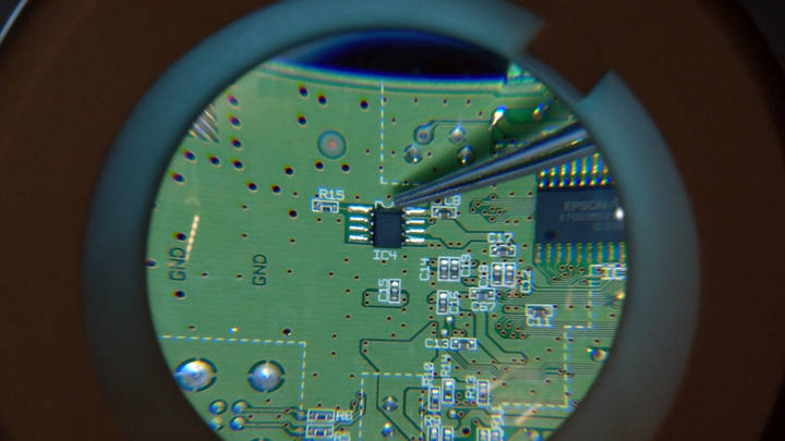 04--eeprom-chip