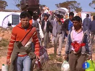 Ver vídeo '400.000 personas huyen de Libia'