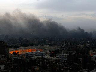 Ver vídeo 'El Gobierno decreta el toque de queda en todas las ciudades de Egipto'