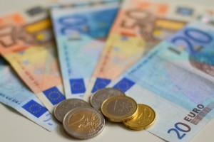 Euro-biljetten en munten. Foto: Flickr.com/EnvironmentBlog