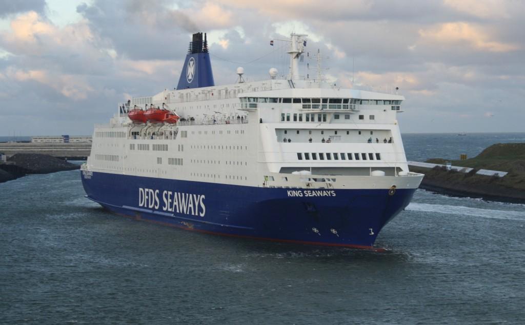 Velsen weert veerbootpassagiers vanuit VK