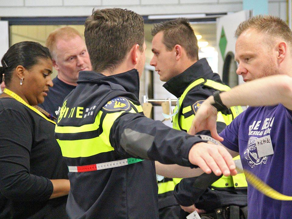 Velsense politie in nieuw uniform