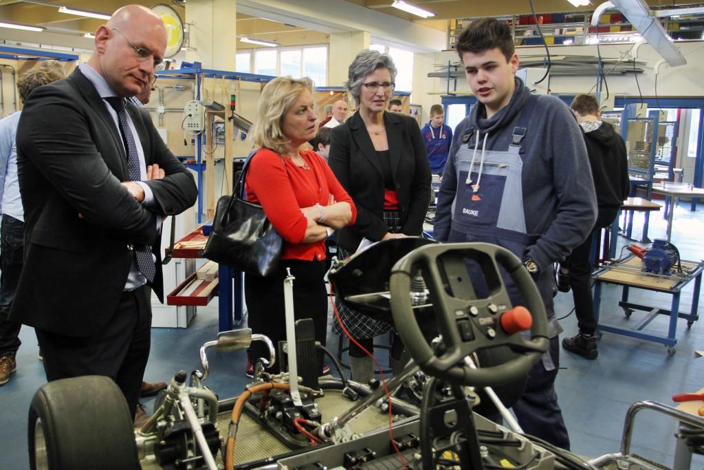 Minister bezoekt Technisch College