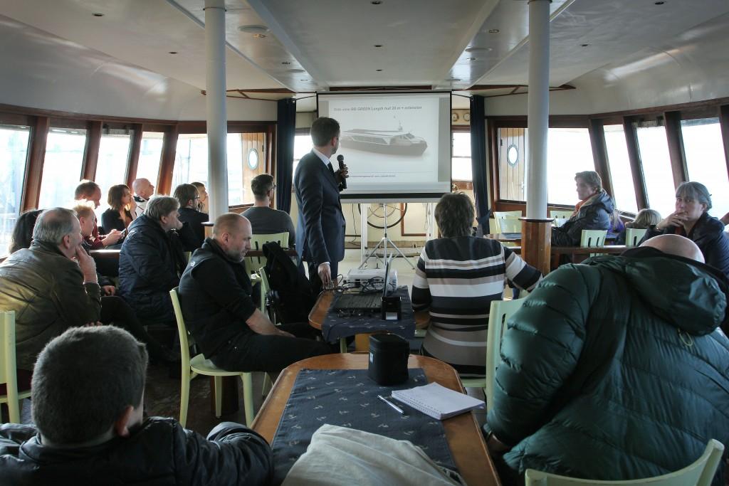 Presentatie boot veerdienst IJmuiden - Amsterdam